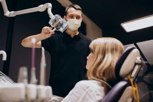 implant dentar pret